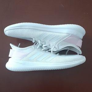 Adidas size 7 1/2 shoes